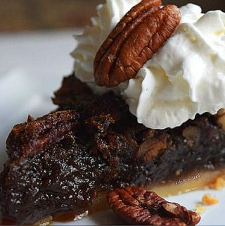 Brown Butter Pecan Pie + Espresso Dates: A Thanksgiving Star