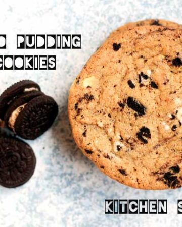 hand holding an oreo pudding mix cookie